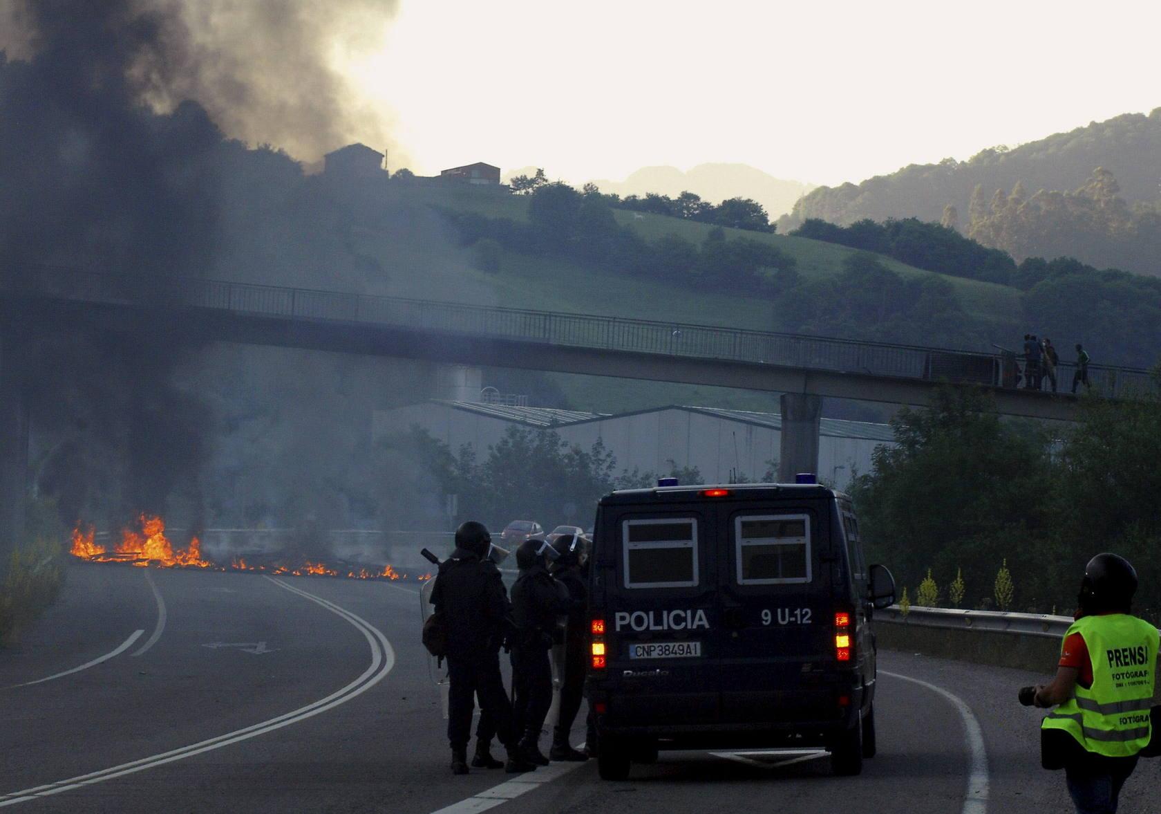 La tensión entre los mineros y la Policía se recrudece