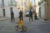 La Guardia Civil 'toma' la calle Brocense