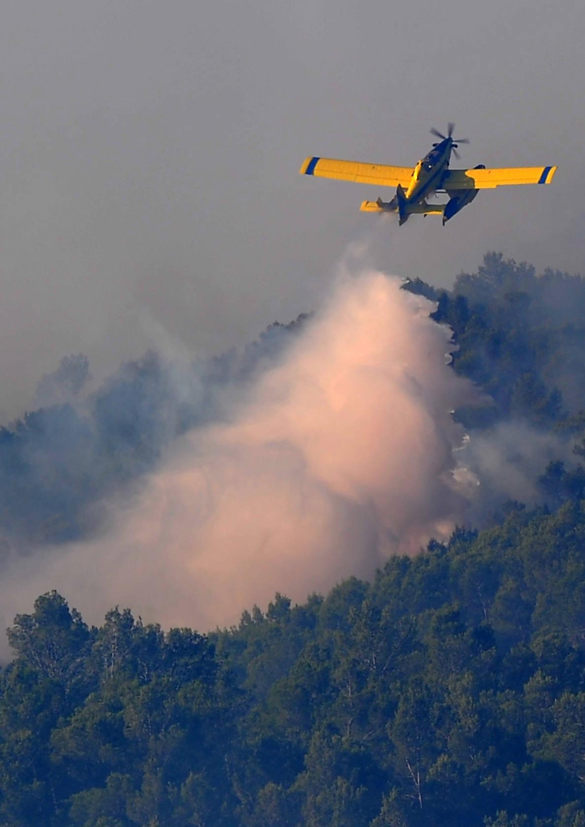 Un incendio arrasa el norte de Girona