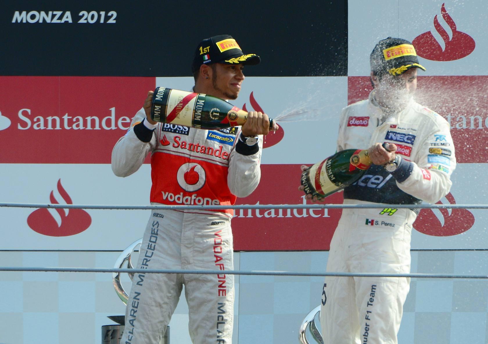 Alonso se sube al podio en Monza